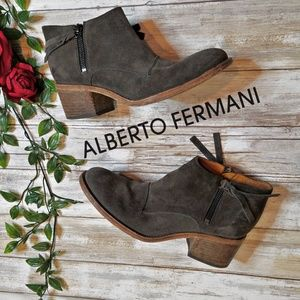 Alberto Fermani suede ankle pointed toe boots